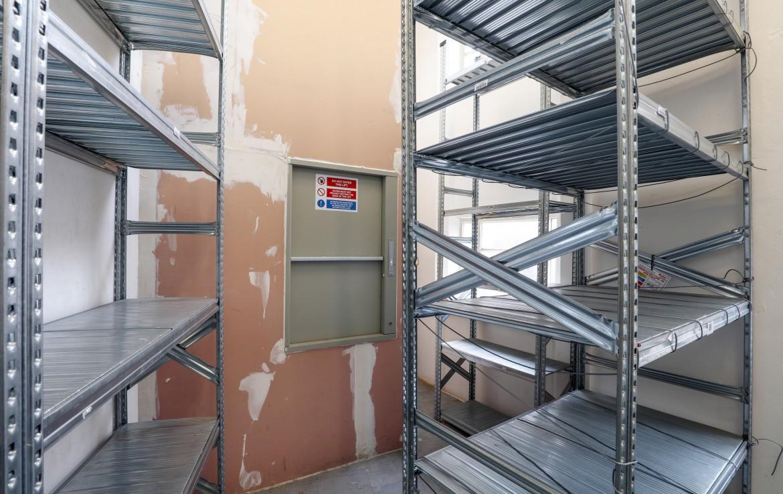 Backroom storage retail space nottingham